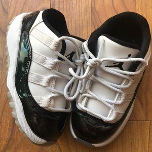 """Jordan 11 Low """"Emerald"""""""